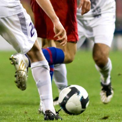 Prédire le risque de blessure et optimiser la performance athlétique pour un club de Football professionnel